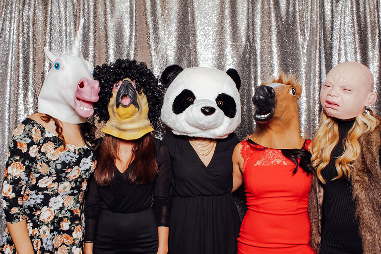 Maggianos Holiday Party Photo Booth